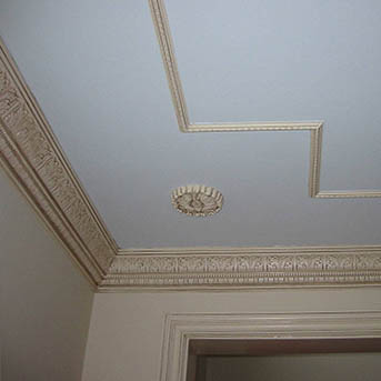 molding for the ceiling