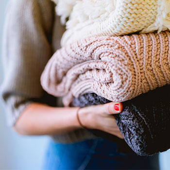 avoid-fast-fashion-by-donating-old-clothes