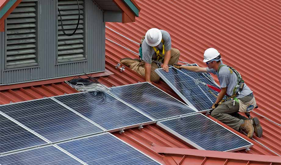 Featured image for solar installer jobs article