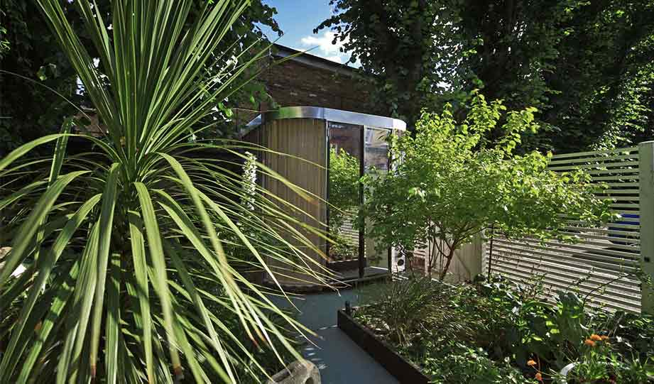 Featured image for This Prefab Office Pod Fits Into Every City Garden article