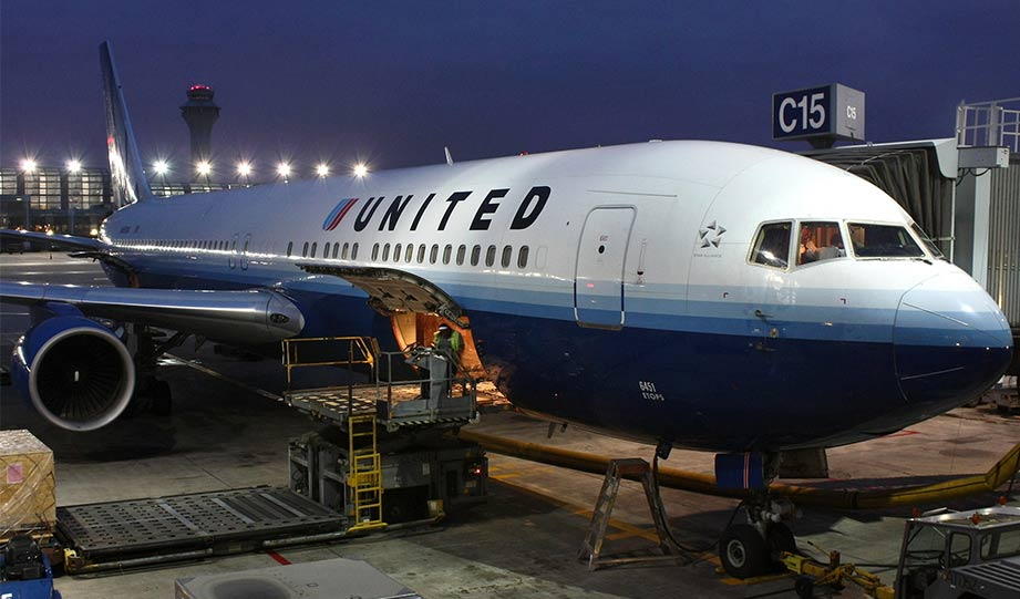 Featured image for United Airlines To Go 100 Percent Green By 2050 article