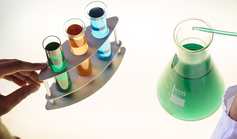 Featured image for Chemists Are Getting Closer to Green Plastic Technology article