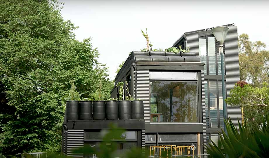 Featured image for Joost Bakker's New Greenhouse Is a Model for the Home of a Future article