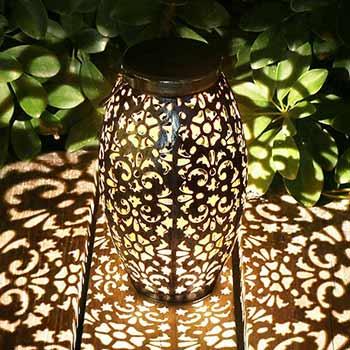 Lights around a Kaixoxin Solar Lantern Lights