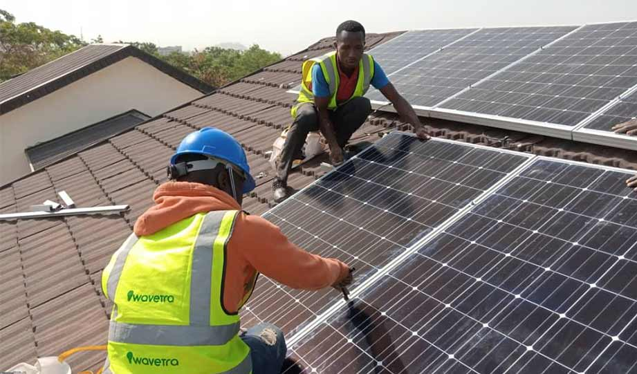 Featured image for Unemployed Texas Oil Workers Pursue Jobs In Growing Solar Industry article