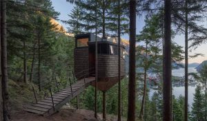 Featured image for Norwegian-designed Treehouse Integrates With Nature In A Creative Way article